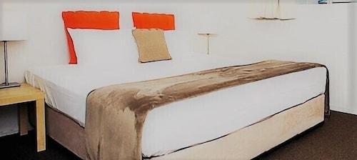 Australian Hotel Motel, Ballina