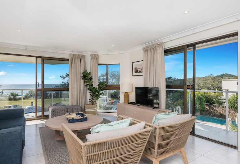 Bayview Beachfront Apartments, Byron Bay, Signature Penthouse, 2 Bedrooms, Balcony, Ocean View, Living Room