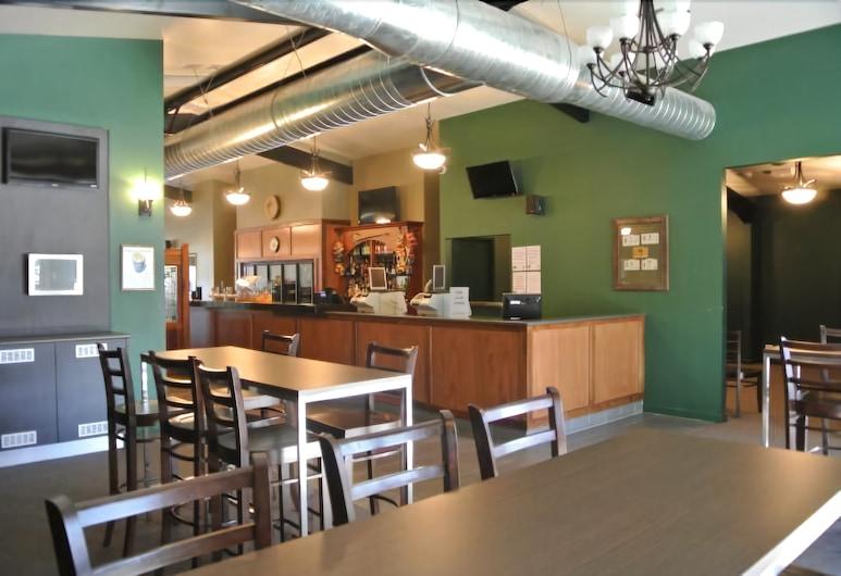 Dooleys Springsure Tavern and Motel, Springsure, Bar Hotel