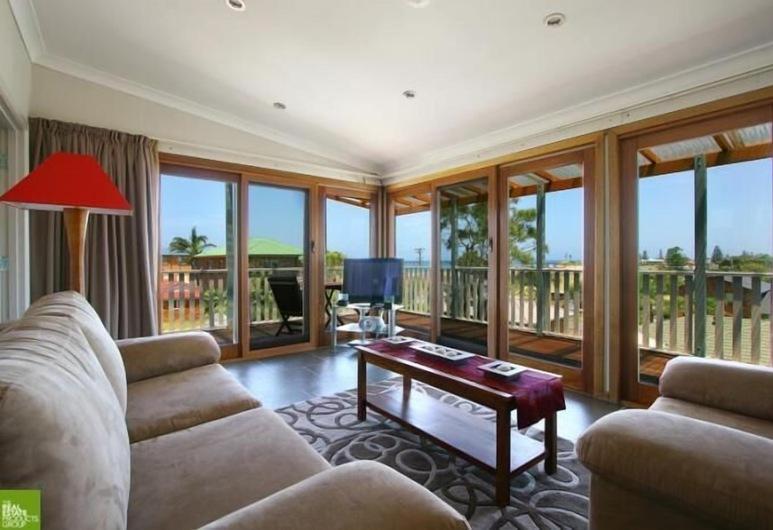 Southview Boutique Guest House, Bulli, Seaview Suite King & Spa, Living Area