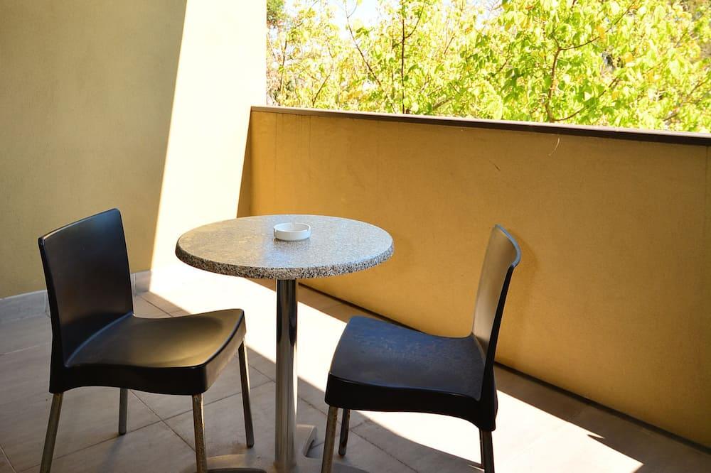 Standard-sviitti, 1 makuuhuone, Tupakointi kielletty, Parveke (Peninsula Spa Suite) - Parveke