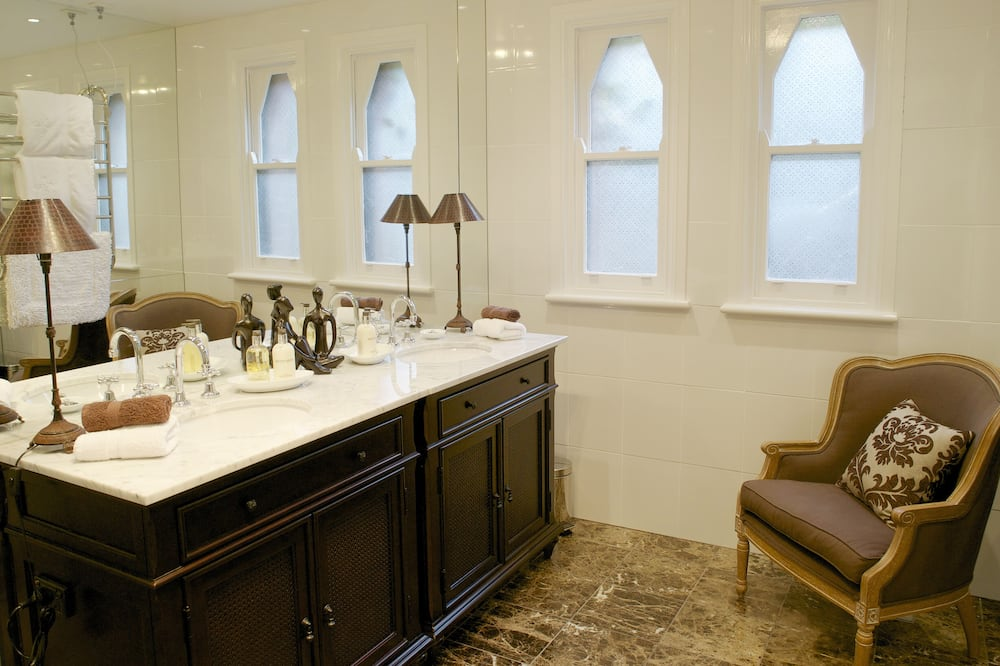 Superior Room, Non Smoking, Balcony - Bathroom