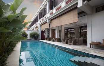 Picture of Seven Terraces Hotel in Penang