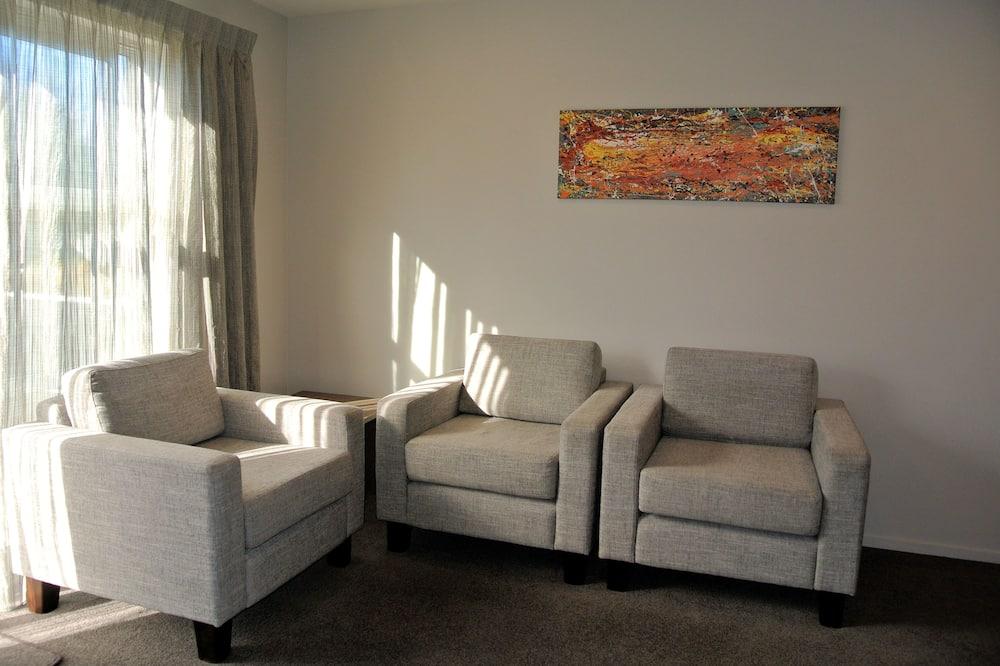 Comfort Apartment, 1 Queen Bed, Non Smoking, Kitchen - Living Room