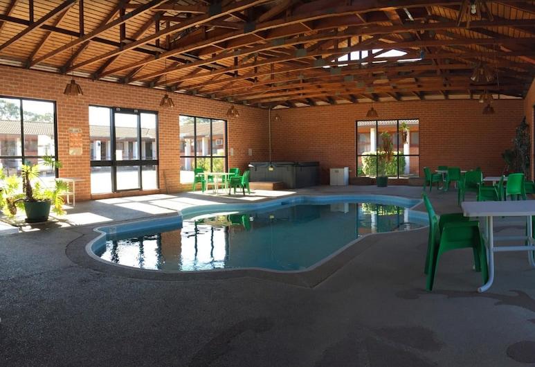 愛索諾汽車旅館, 達普托, 游泳池