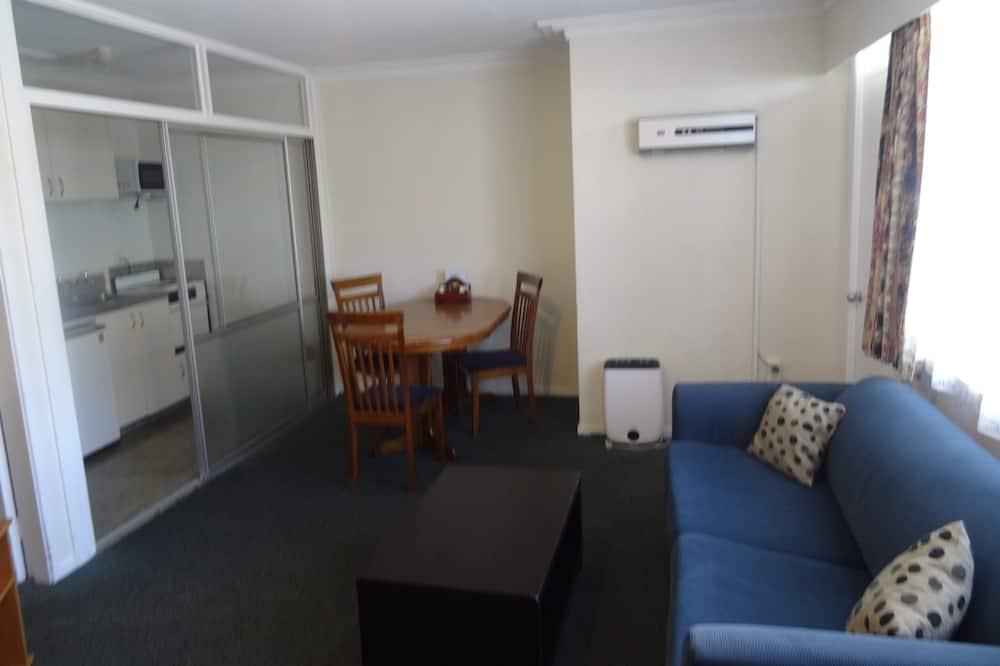 Suite – family, 1 soverom, tekjøkken (Motel Family Unit) - Oppholdsområde