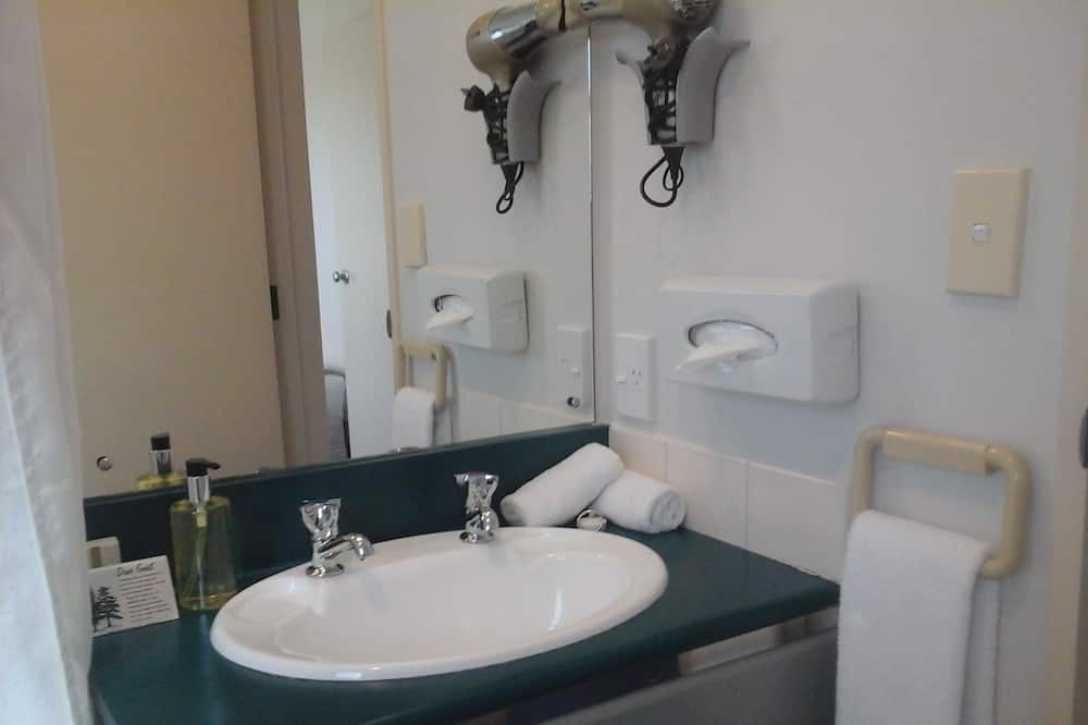 ดีลักซ์สตูดิโอ, หลายเตียง, วิวสวนสาธารณะ - ห้องน้ำ