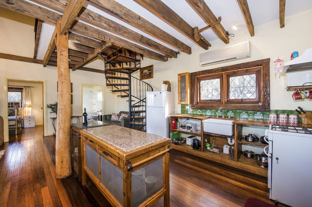 Standard Suite, Multiple Bedrooms, Non Smoking, Kitchen (Maggies Cottage) - In-Room Dining