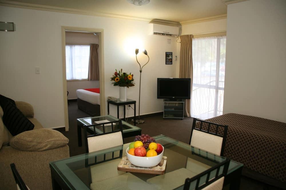 ห้องสแตนดาร์ดสวีท, 1 ห้องนอน, ปลอดบุหรี่, ห้องครัว (Suite) - พื้นที่นั่งเล่น