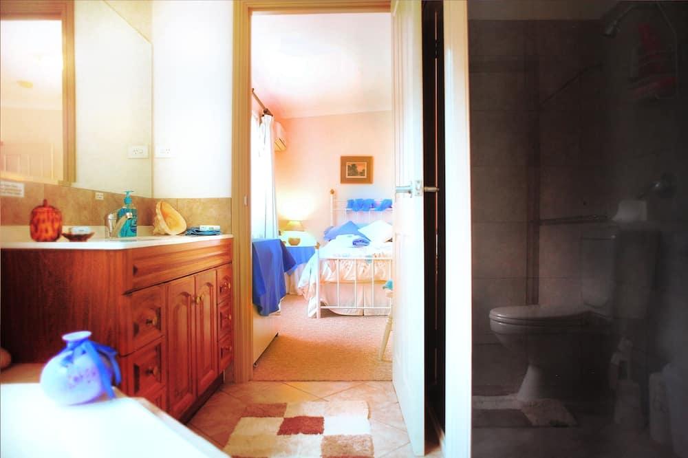 Standard Σουίτα, 1 Υπνοδωμάτιο, Μη Καπνιστών, Κουζίνα (3 Blue Room) - Μπάνιο
