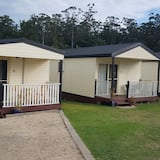 Standard Suite, 2 Bedrooms, Non Smoking, Kitchenette (Self Contained Cabin) - Ruang Tamu
