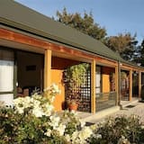Standard Studio, Non Smoking, Kitchenette (Spa Bath Couples Retreat) - Teres/Laman Dalam