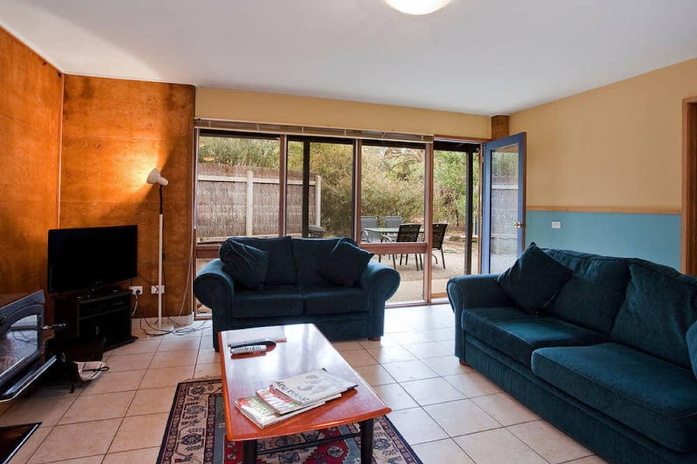 Two Bedroom Cottage - Living Area