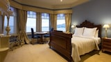 Choose This Luxury Hotel in Battery Point