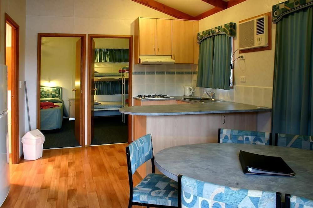 Standard Suite, 2 Bedrooms, Balcony, Lake View (Lake Villa) - In-Room Dining