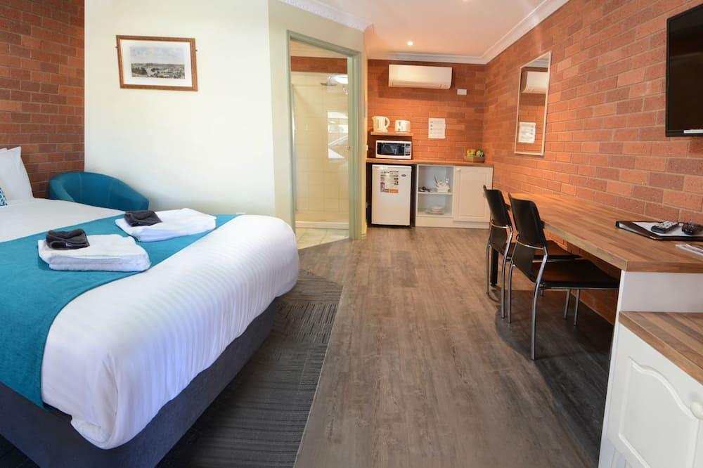 Executive Queen Room   - Guest Room