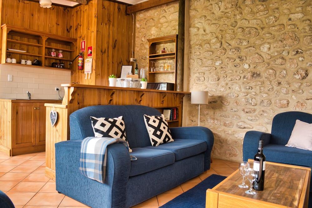 Romantic-huvila, 1 makuuhuone, Takka, Osittainen merinäköala - Oleskelualue