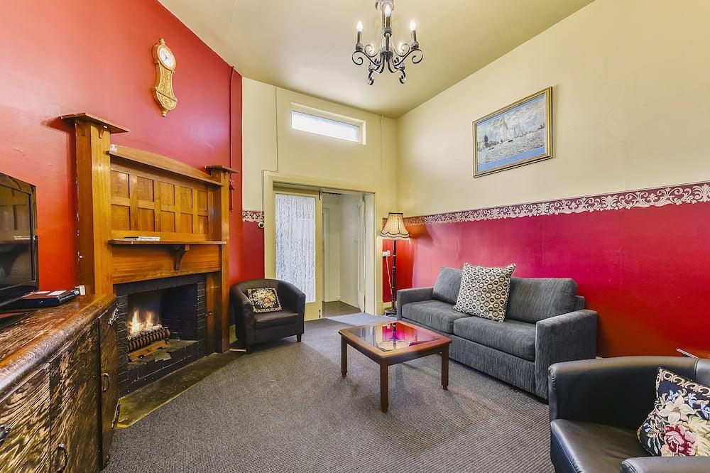 Standard-Apartment, 2Schlafzimmer, Nichtraucher, Küche (Burgundy 2+ Night Escape) - Wohnbereich