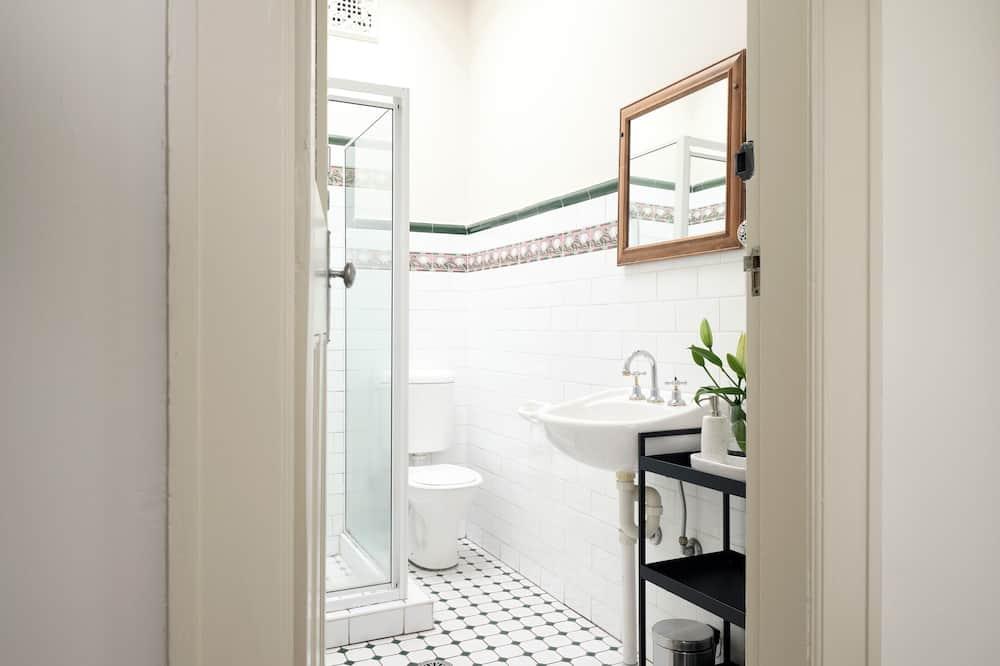 Double Room, Shared Bathroom - Badrum