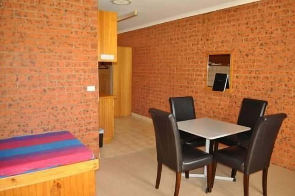 Standard Family Room - In-Room Dining