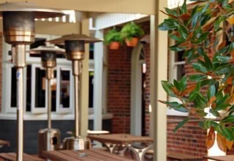 Captain Cook Hotel, Botany, Terraza o patio