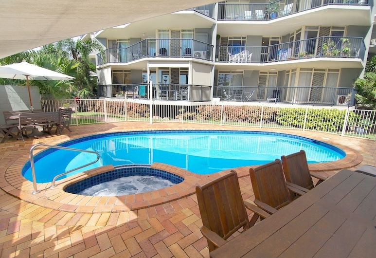 Bayview Beach Holiday Apartments, Biggera Waters