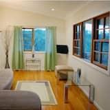 標準套房, 2 間臥室, 非吸煙房, 簡易廚房 (River Cottage (Off peak)) - 客廳