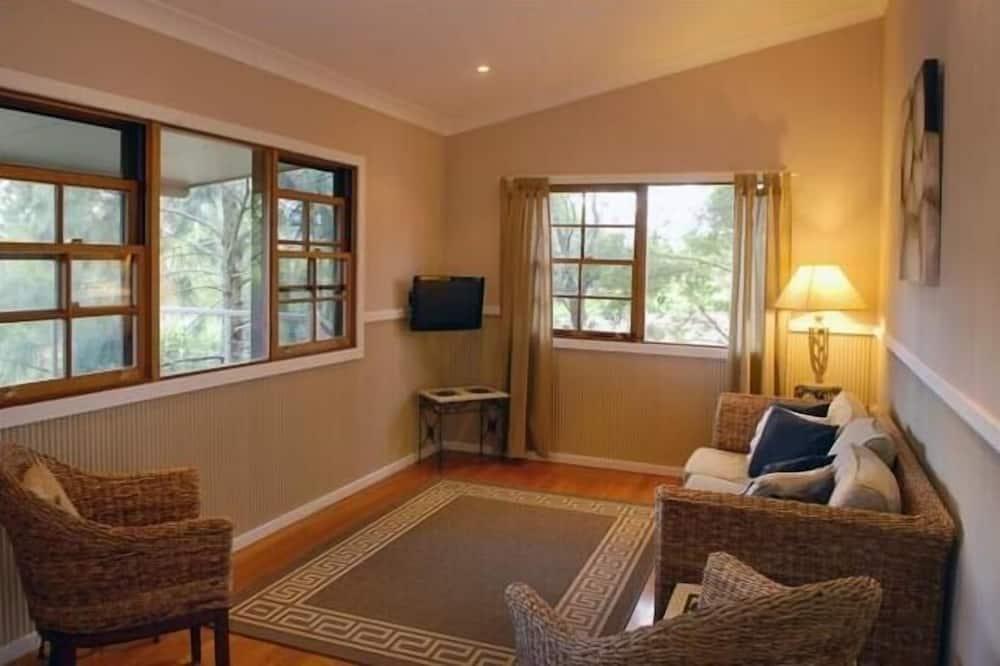 Standard Suite, 2 Bedrooms, Non Smoking, Kitchenette (River Cottage (Off peak)) - Living Area