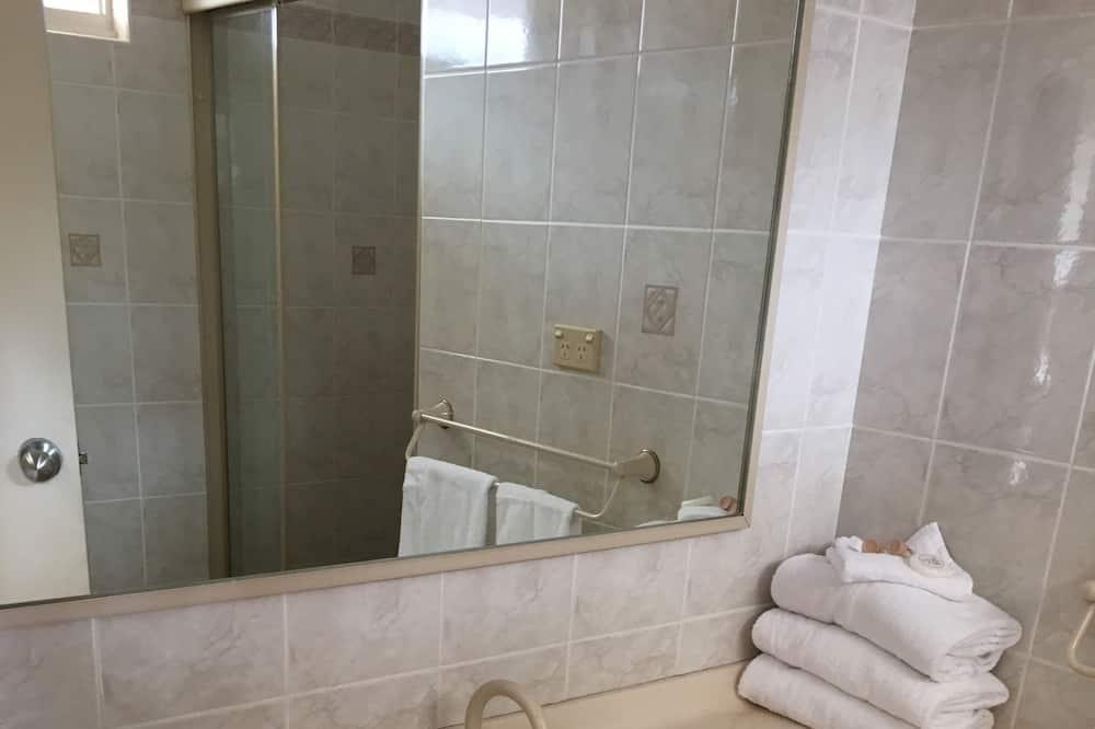 Familien-Suite, 2Schlafzimmer, Nichtraucher - Badezimmer