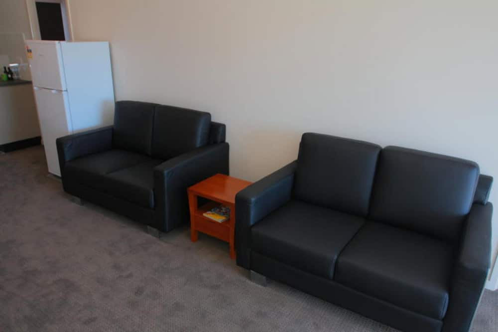 Standard Suite, 2 Bedrooms, Non Smoking, Kitchenette (Apartment) - Living Area