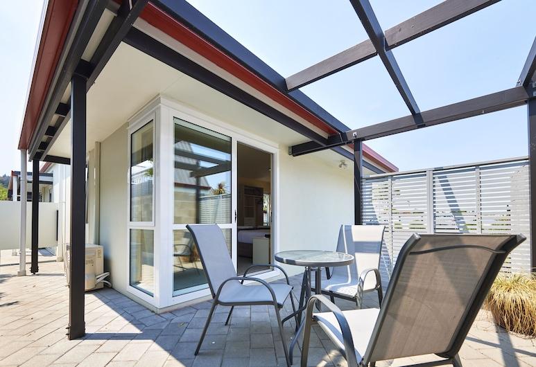 Rolleston Motel, Thames, Deluxe King Studio - Heat pump, Terrace/Patio