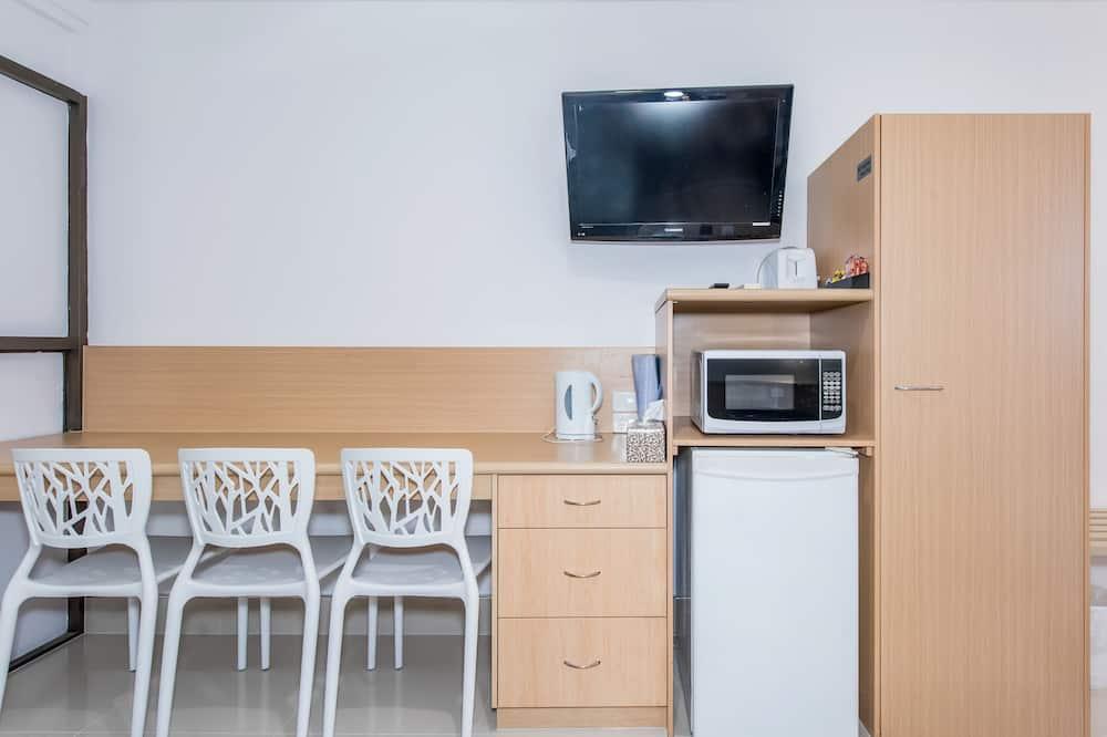 ห้องสแตนดาร์ด, ปลอดบุหรี่ - พื้นที่นั่งเล่น