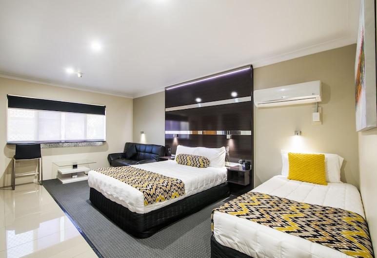 The Abbey Motor Inn, Grafton, Family Room (Deluxe), Living Area