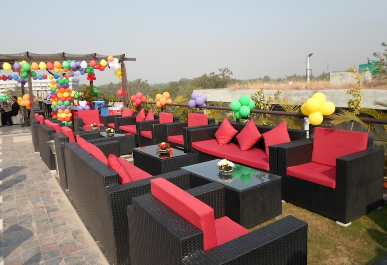 Hotel Oyster, Chandigarh, Terrace/Patio