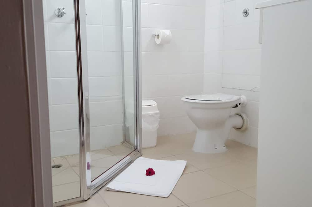 Standard Room, Non Smoking (Queen room) - Bathroom
