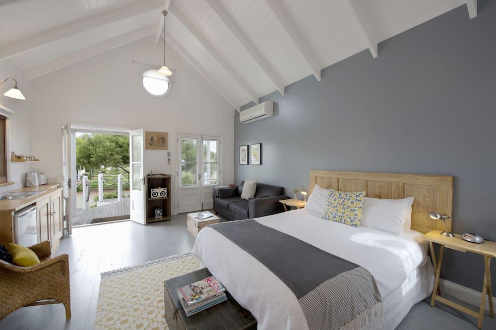 Romantisch appartement, 1 slaapkamer, niet-roken, kitchenette (Mooloolaba) - Woonruimte