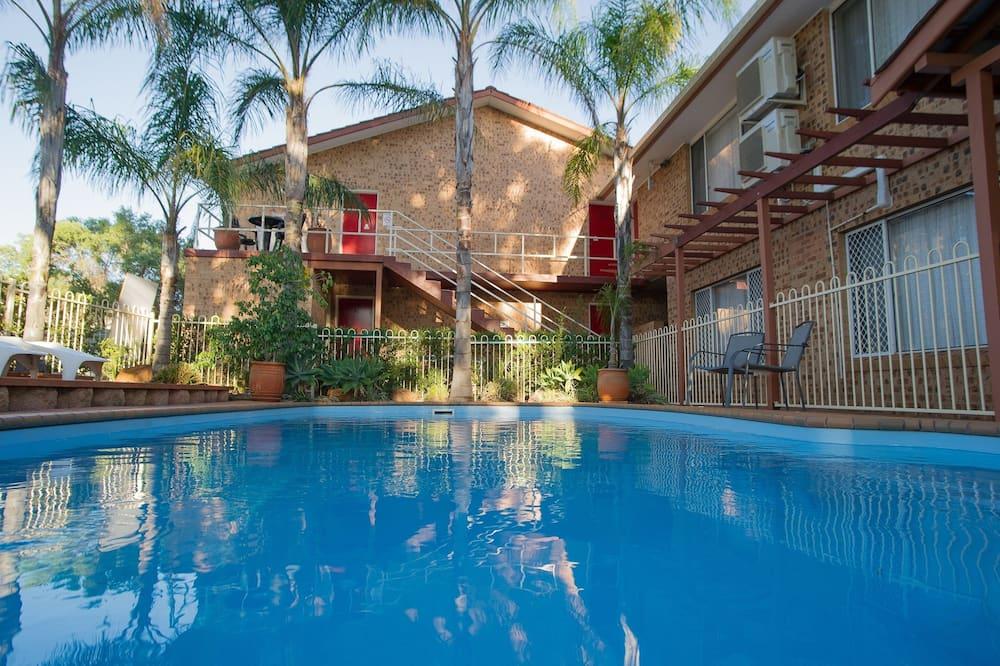 Manera Heights Apartment Motel