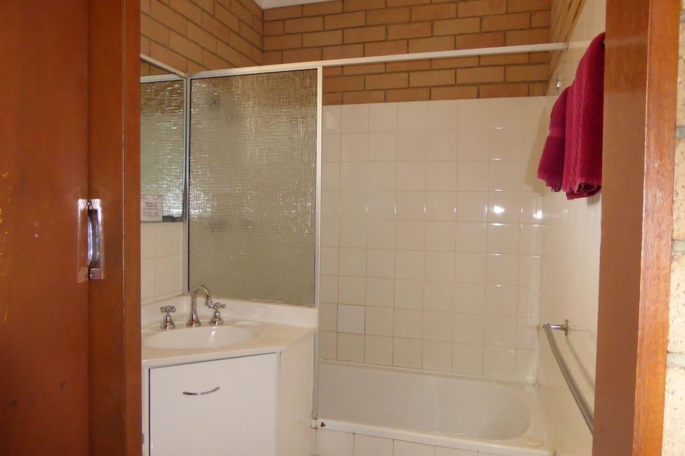 Familienzimmer (Sleeps 3) - Badezimmer