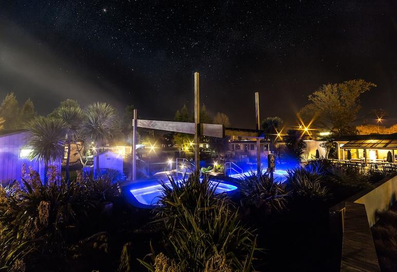 Rotorua Top 10 Holiday Park, Rotorua, Pool