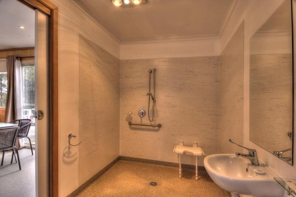 Pagerinto tipo trobelė, 2 miegamieji - Vonios kambarys