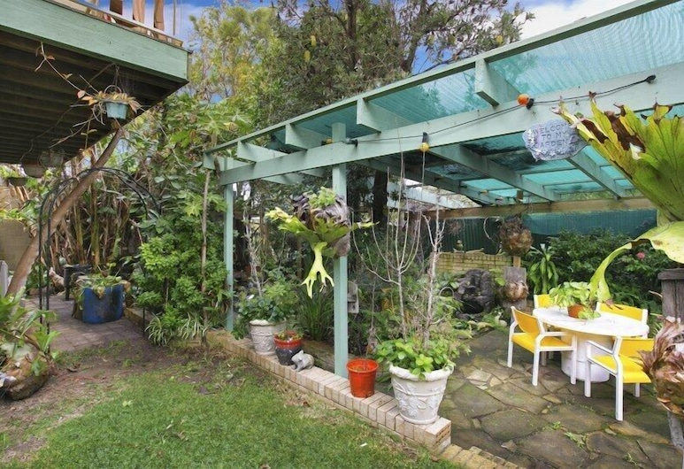Lake Illawarra Bed and Breakfast, Windang, Sodas
