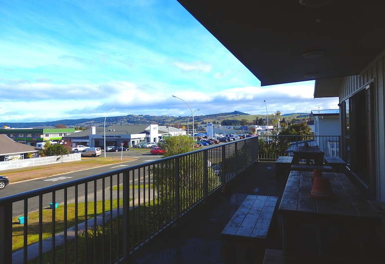 Tiki Lodge Backpackers, Taupo, Balcony
