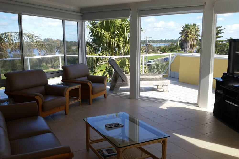 Standard Apartment, 1 Bedroom, Non Smoking, Kitchen (Abel Tasman Penthouse) - Living Area