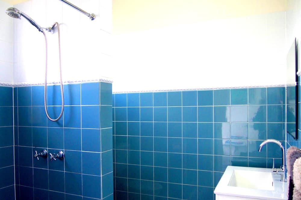 Standard Room (Twin Room Special) - Bathroom
