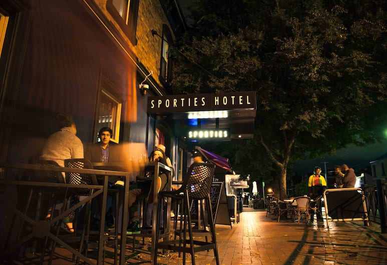 Sporties Hotel, Launceston, Hotel Front – Evening/Night