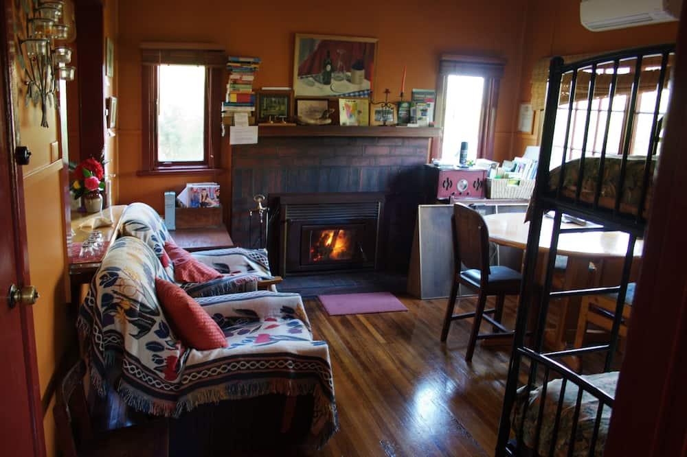 Classic Cottage (2 Night) - Living Area