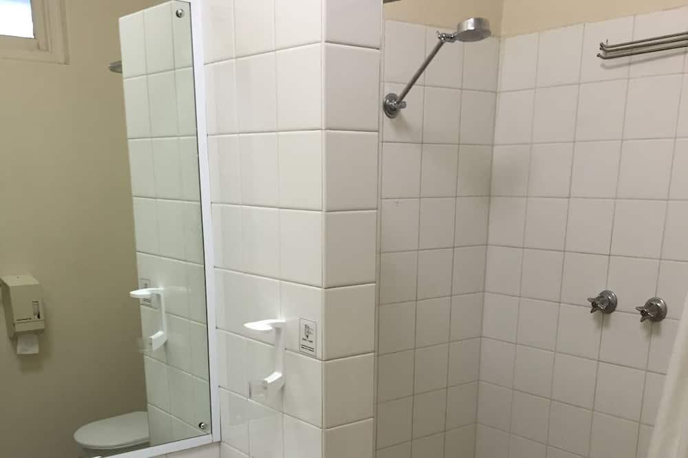 Standard-Dreibettzimmer - Badezimmer