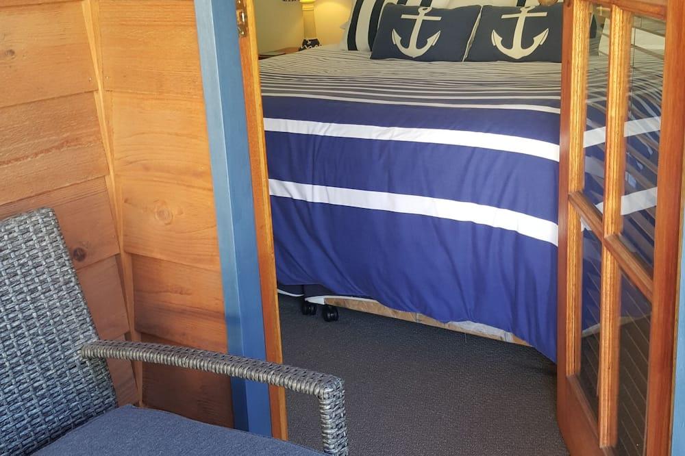 Стандартный люкс, 2 спальни, общая ванная комната (Anchorage self/cont. apt) - Балкон