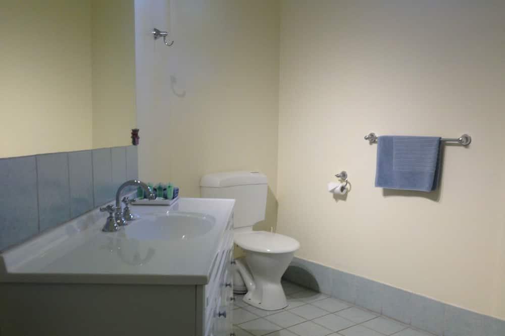 Standardsuite - 1 soveværelse - ikke-ryger - balkon (Queen/Twin) - Badeværelse