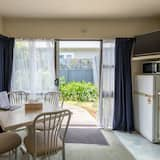 Family Apartment, 1 Bedroom, Non Smoking, Kitchen - In-Room Dining